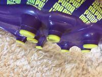 Kids size 7 Puma Evo Speed 4 football boots