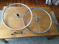Campagnolo Bicycle Wheelset 700c with Shimano hubs & Campag Skewers - Light and Strong