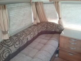 Swift Challenger 570 2010 fixed bed.