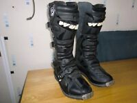 Wolf leather boots