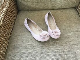 Ladies Pink ballet pump shoes.