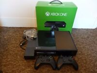 XBOX ONE W/ KINECT + TWO WIRELESS CONTROLLERS + ONE GAME (DYING LIGHT) - BOXED/EXCELLENT CONDITION