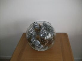 Christmas Decoration Vase with gold/silver cones