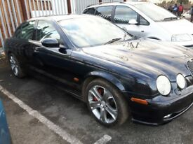 S TYPE JAGUAR {{{ BLACK }}} 3liter v6 manual
