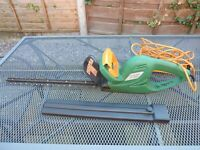 B & Q Electric Hedge Trimmer. 500Watt, 42cms Blade, 10 metre cable.