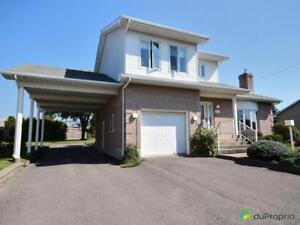325 000$ - Maison 2 étages à St-Jean-sur-Richelieu (Iberville)