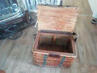 Vintage creel seated fishing box