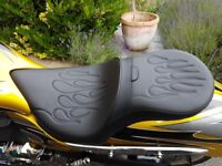 VICTORY JACKPOT / HAMMER DRAG SPECIALTIES FLAME CUSTOM TOURING SEAT AS NEW