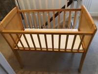 Wooden cot baby 0-6mths