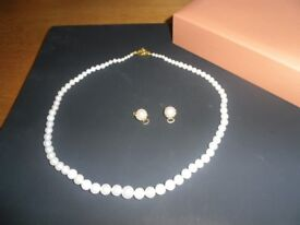 Pearl necklace .....very nice quality ....as-new...with matching earrings .. may do a swop ??