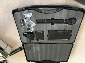 W Audio RM-01 Radio microphone with case
