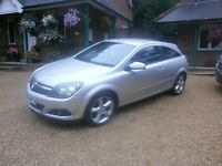 Vauxhall Astra SRI CDTI 150. EXCELLENT CONDITION. FAST & ECONOMICAL. 2 previous owners Joy to drive!
