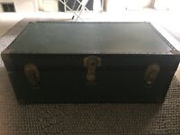 Vintage Trunk 1970s Dark Green Old fashioned Suitcase Storage Coffee Table