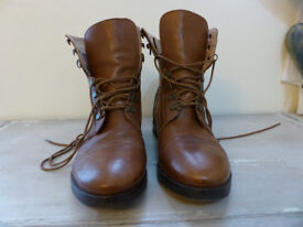 Ladies Fat Face ankle boots - Size 41