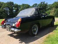 Beautiful MG MIDGET 1972 in super condion MOT and road tax except. Ready for the summer.