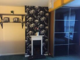 Specious double bed room to let in Hanwell (W7)