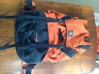 65 litre hiking backpack / rucksack