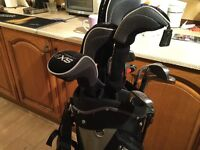 Full set of golf clubs and stand sky max £90.00