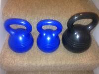 2 x 5 kg + 1 x 10 kg kettlebells