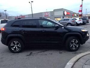 2016 Jeep Cherokee TRAILHAWK 4X4|LEATHER|NAVIGATION|SUNROOF|SAFE Oakville / Halton Region Toronto (GTA) image 4