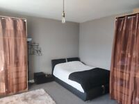 VERY LARGE DOUBLE BEDROOM TO RENT IN REDBRIDGE ALL BILLS INCLUDED #REFIG1-2610