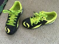 Football trainers size c 12, great condition