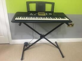 Yamaha YPT-220 and Stand. Excellent condition hardly used!