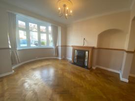 4 bedroom house in Havering Gardens, Romford, London, RM6