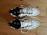 Gunn & Moore Cricket Shoes Size 9.5 - NEW