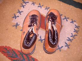 NEW- WALKING BOOTS SIZE 7- LEATHER UPPERS