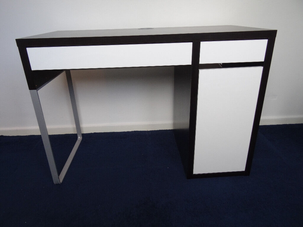 Ikea Micke Black And White Desk In Good Condition
