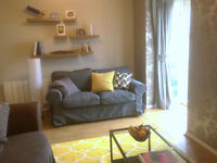 Newly furnished 2-bed flat with car parking and gated access to rent Grange Park Mews