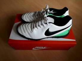 Size 6 Nike Trainers