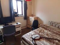 **ALL BILLS INCLUDED** Double room for rent in modern and spacious property in STRATFORD , Zone 2!