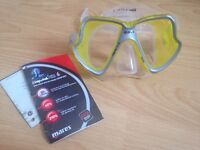 Goggles and mouthpiece (never used with tags)