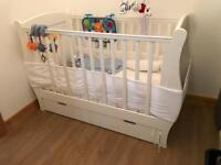 White sleigh cot with draw SSTC