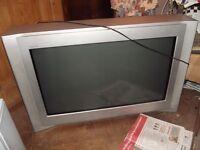 "32"" Trinitron TV"