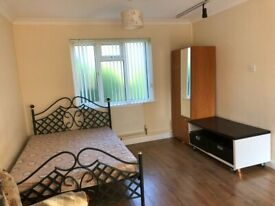GORGEOUS ENSUITE ROOM IN A LOVELY LOCATION