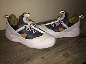 Nike Huaraches Utility Preium whites