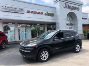 2014 Jeep Cherokee | LATITUDE | 4X4 | ROOF | 8.4 SCREEN | RMT ST