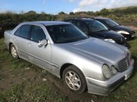 Mercedes Benz e220 c220cdi car breaking spare pets available