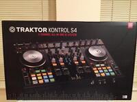 TRAKTOR KONTROL S4 ; 4 channel all-in-one DJ system