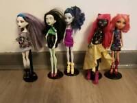 5 x monster high dolls