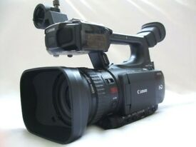 CANON XF100 HD PROFESSIONAL CAMCORDER FULLY BOXED LOW HOURS (PAL)