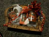 Scents of Christmas gift hamper. Large Candle not yankee