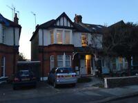 2 bedroom flat in Ashgrove Road, Ilford, IG3