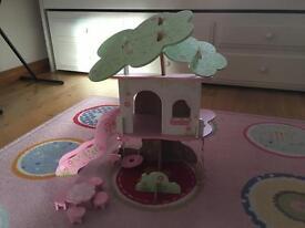 Rosebud Village Treehouse