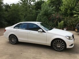 Mercedes C-220 Leather *Full Years MOT*