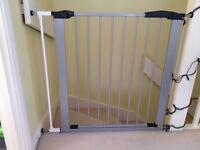 2 x BabyDan Premier Pressure Indicator Safety Gates - perfect condition