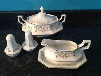 """Dinner Set by Johnson Brothers """"Eternal Beau"""" 32 pieces."""